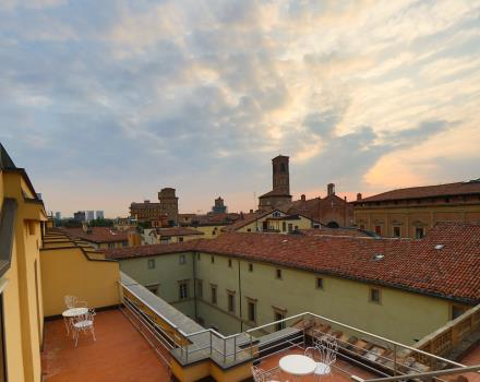 Roof terrace with sun loungers at the Hotel San Donato Bologna