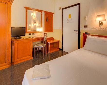 Classic double room for your stay in the Centre of Bologna