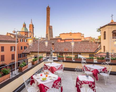 The magnificent terrace on the second floor of the best Western Hotel San Donato Bologna
